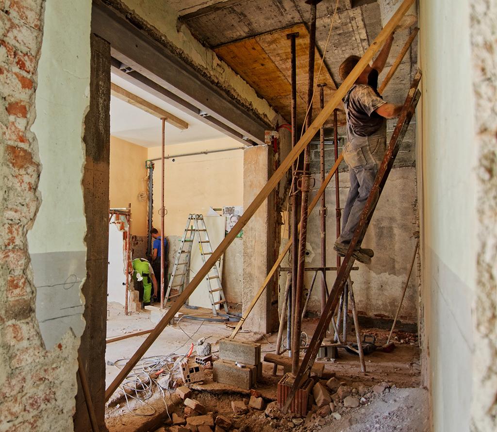 Démolition de revêtement aux murs et au sol